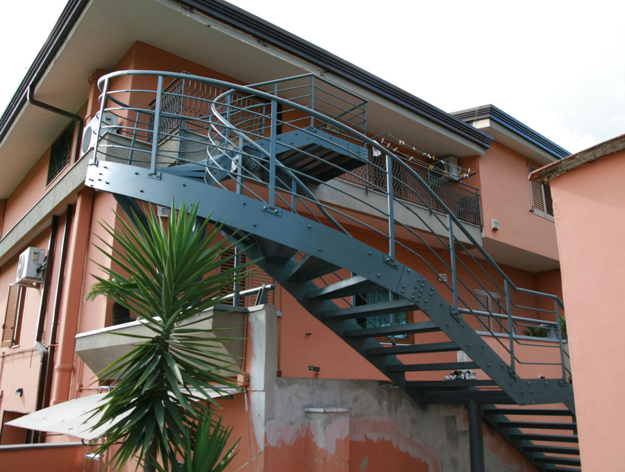 Ben noto Progetto Scala Esterna | Idee Fabbri ZR99