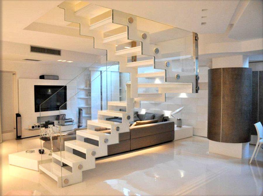 Progetti arredamento case cucine e bagni idee mobili for Arredamento scale