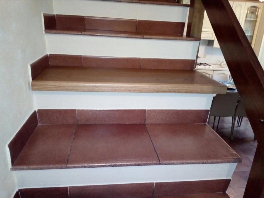 Scala prima del rivestimento in legno