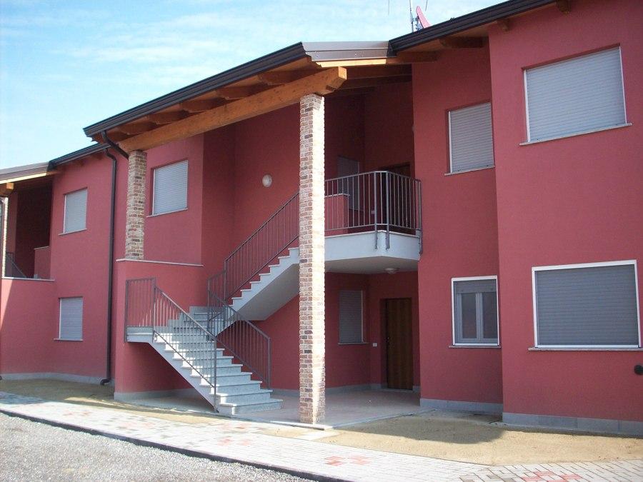 Foto scale esterne accesso piano primo di cobe immobiliare srl 360536 habitissimo - Foto scale esterne ...