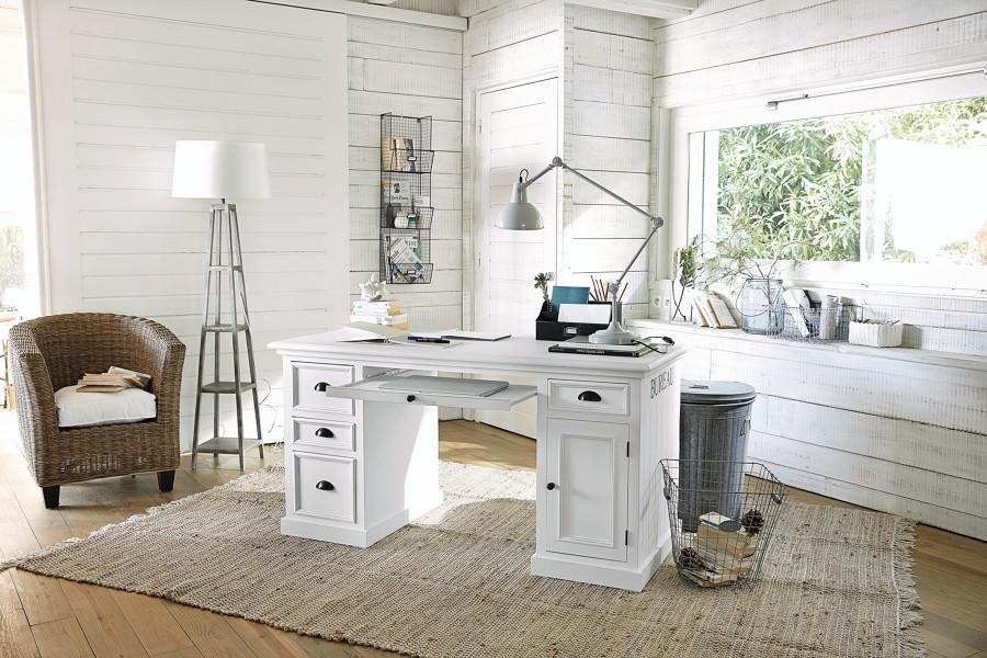 scrivania bianca con cassetti