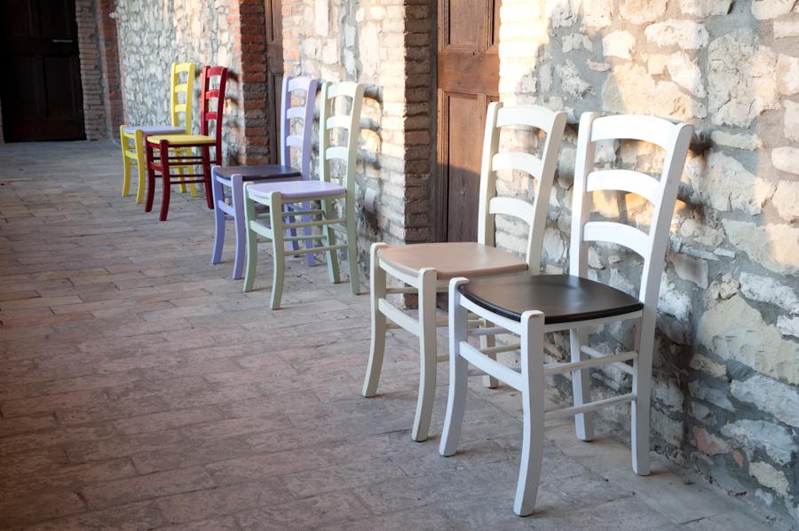 Progetto mobili per arredo moderno e country a reggio emilio re idee mobili - Ikea sedie colorate ...