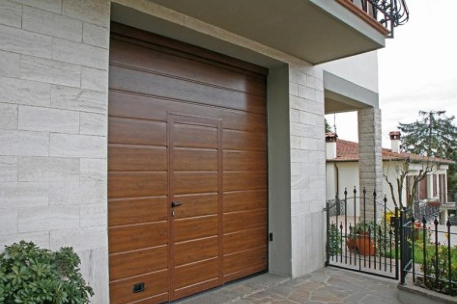 Come scegliere i serramenti per il garage idee porte garage e saracinesche - Serrande per finestre prezzi ...