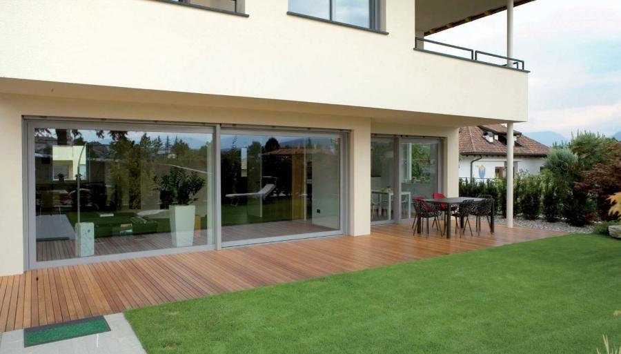 Progetto infissi villa su due livelli idee carpentieri for Seminterrato su due livelli
