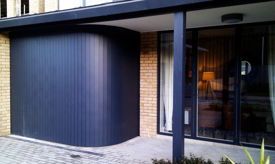 Come scegliere i serramenti per il garage idee porte garage - Porta garage scorrevole ...