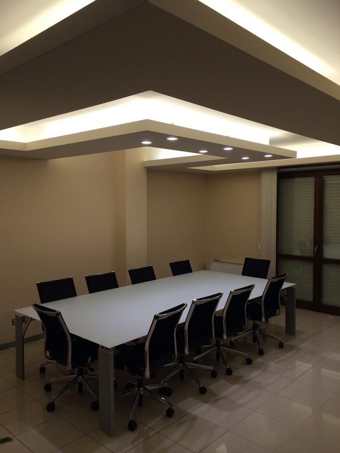 Progetto realizzazione soffitto illuminante idee for Idee in cartongesso