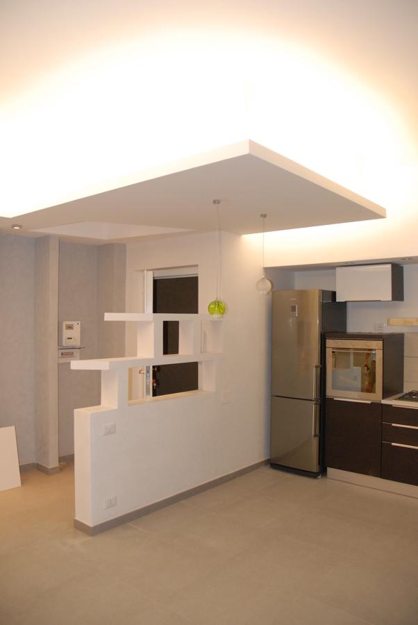 Foto soggiorno angolo cottura di arch stefania frisieri for Soggiorno angolo cottura