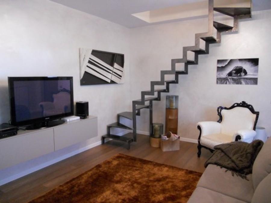 Progetto ristrutturazione appartamento su due piani a for Casa su due piani progetto
