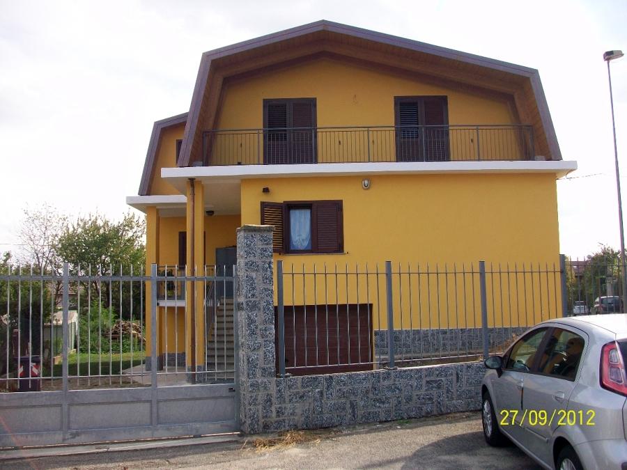 Progetto di sopraelevazione ed isolamento di villa for Come costruire una villa