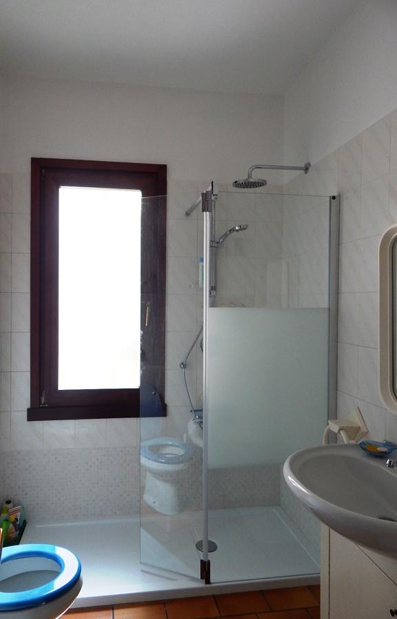 Progetto sostituire vasca con doccia a brescia idee ristrutturazione bagni - Sostituire la vasca con doccia ...