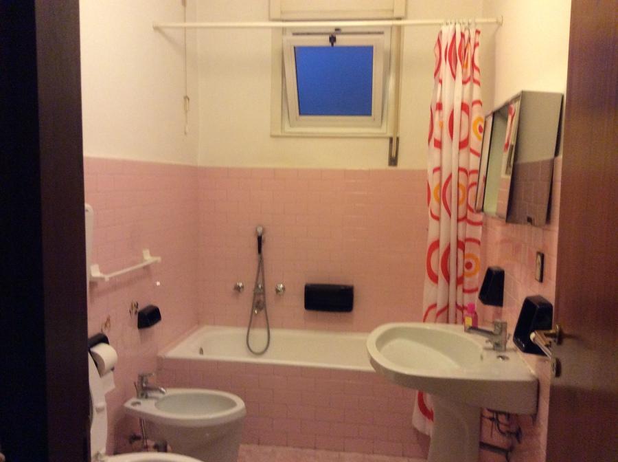 sostituzione dell'infisso nel bagno