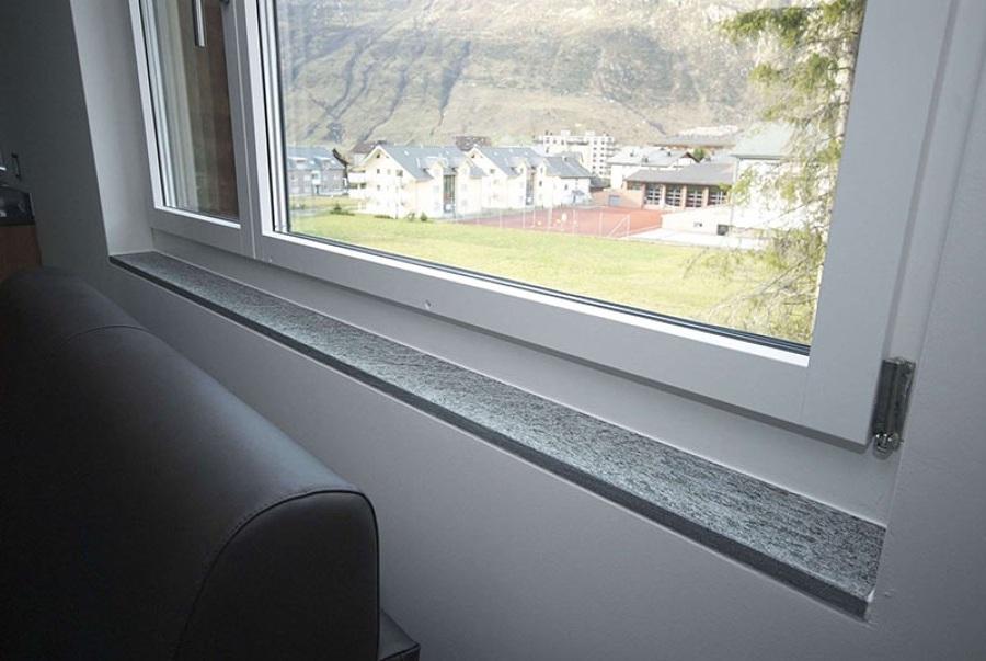 Foto sostituzione serramento con davanzale interno di zanco marmi di zanco vladimiro e silvano - Davanzale finestra interno ...