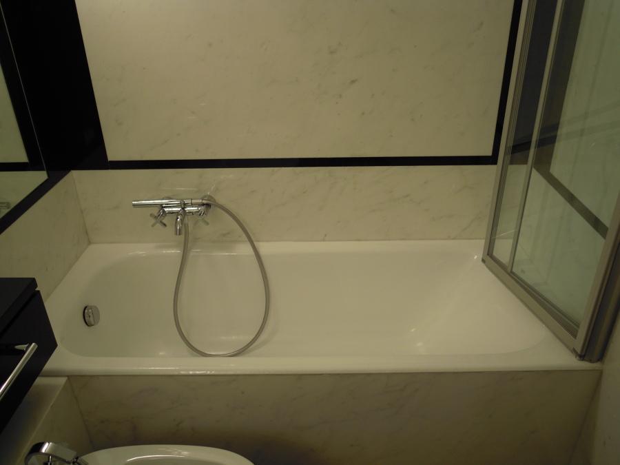 Piastrelle da bagno classiche design casa creativa e - Bagno senza piastrelle ...