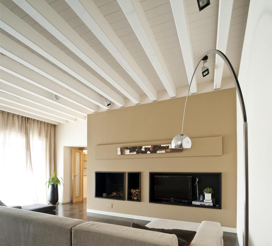 Travi bianche great with travi bianche beautiful camera for Finte travi in legno bianche