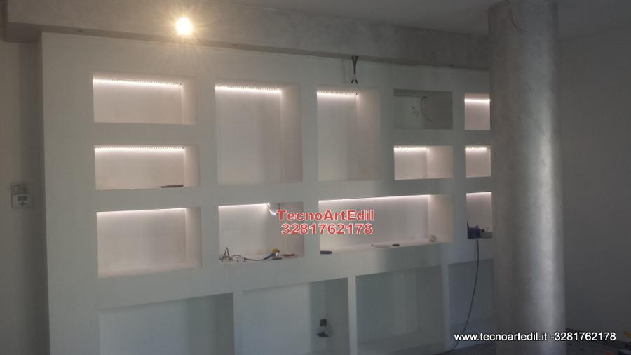 Foto strisce led illuminazione libreria di tecnoartedil