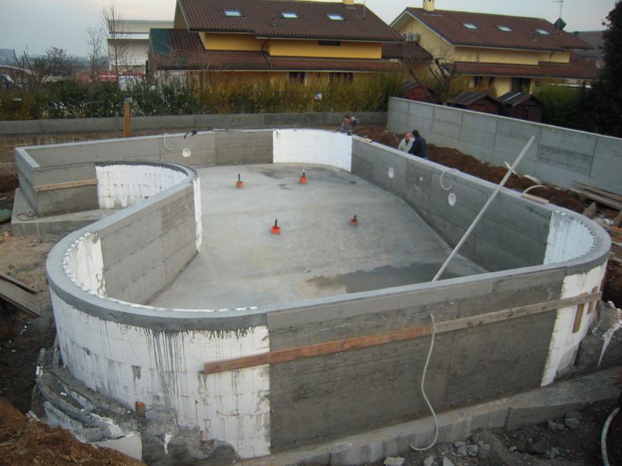 Foto struttura in cemento armato di ecoimpianti piscine - Costruzione piscina in cemento armato ...