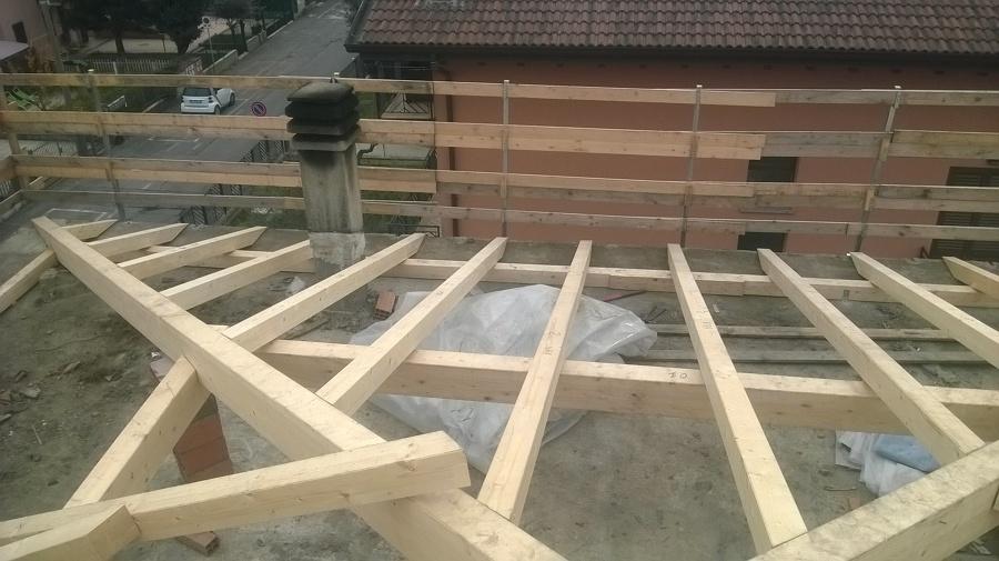 Rifacimento completo copertura ad otto falde idee for Inquadratura del tetto del padiglione