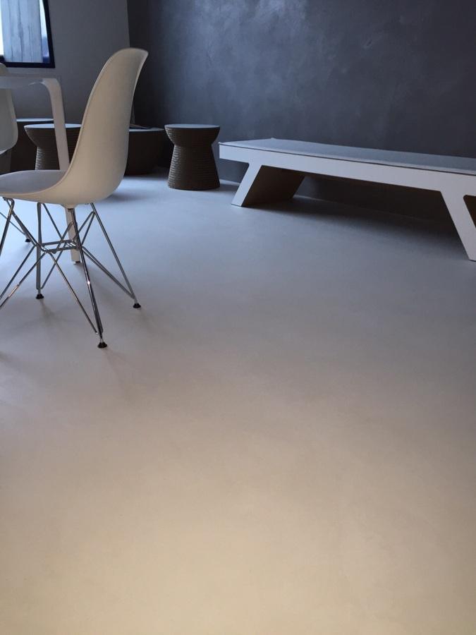 studio proffessionista -pavimento e parete effetto satinato