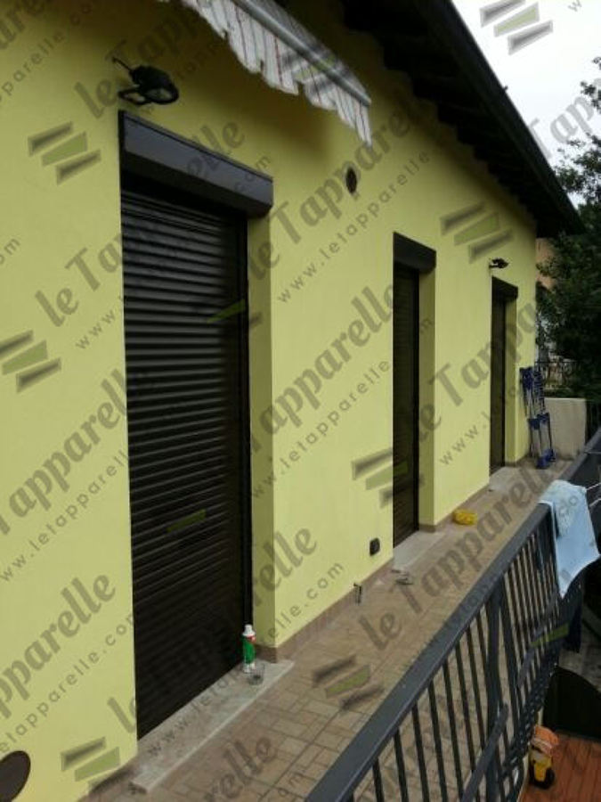 Foto tapparella e cassonetto esterno di - Tapparelle con cassonetto esterno ...