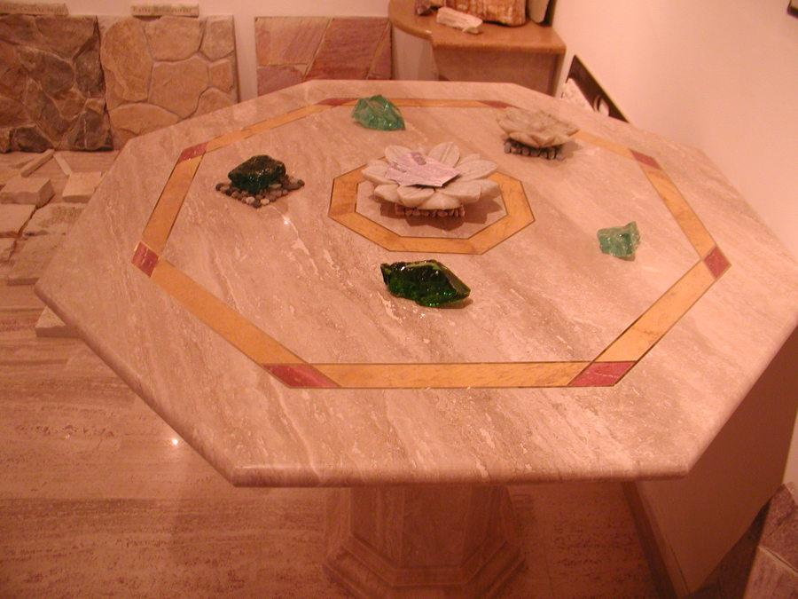 tavoli in travertino romano  in marmo travertino