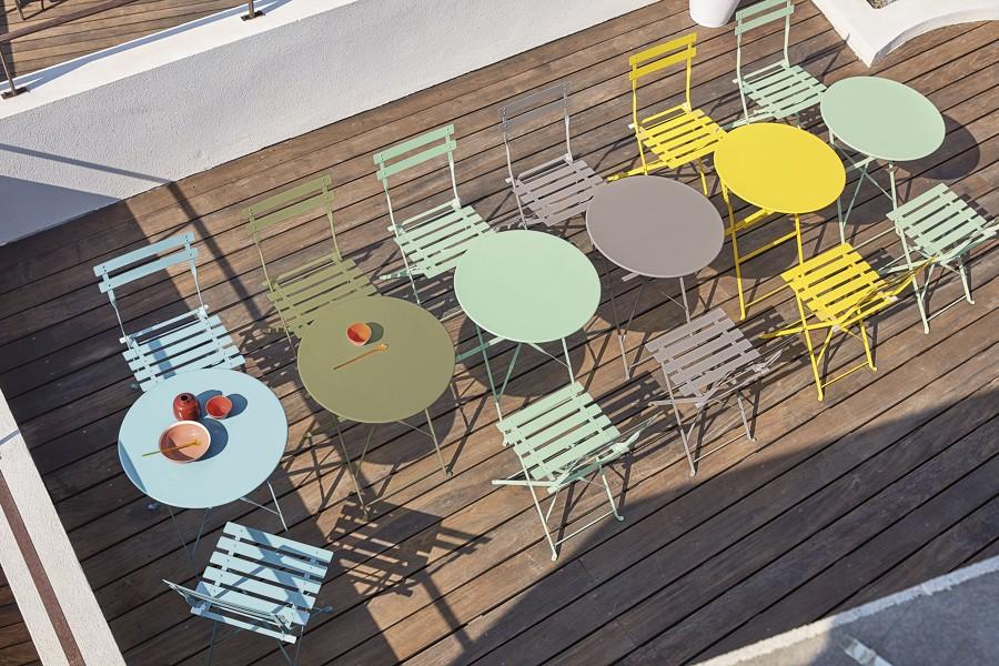 Tavolini e sedie da esterni in metallo