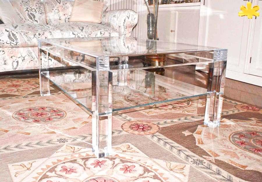 Tavolini da salotto in plexiglass trasparente con ripiano for Tavolini da salotto apribili