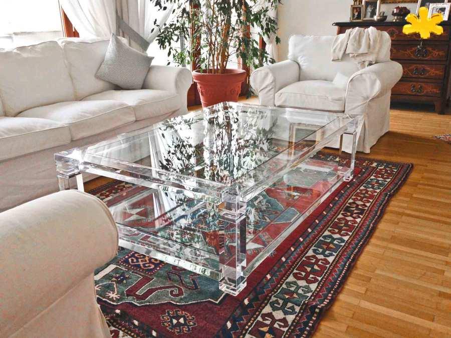 Tavolini da salotto in plexiglass trasparente a due piani for Tavolini da salotto apribili