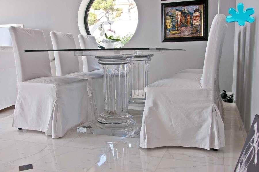 Tavoli da pranzo in plexiglass trasparente a 2 colonne - Tavoli da pranzo classici ...