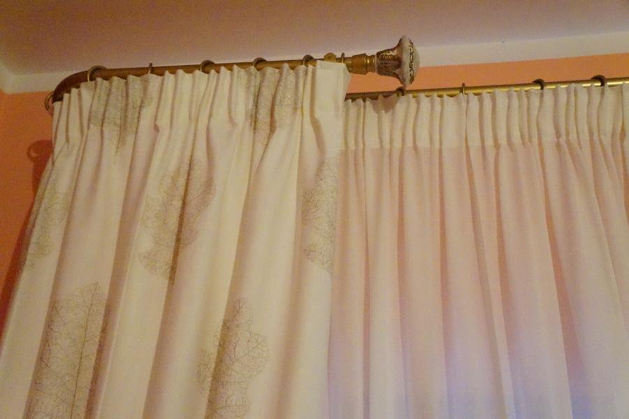 Casa gatta idee interior designer - Pali per tende da interno ...