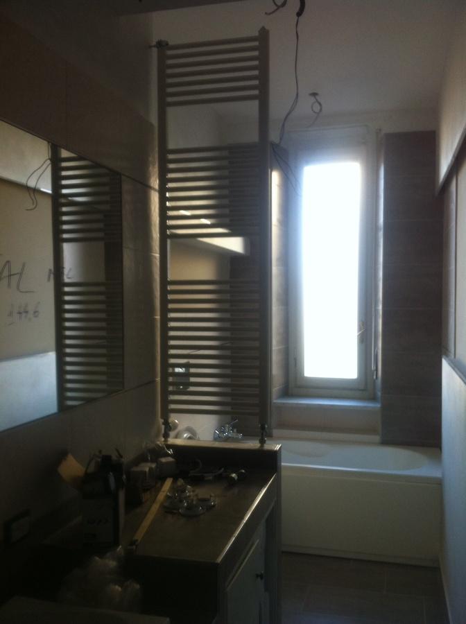 Progetto ristrutturazione e studio interno bagno a torino for Termo arredo bagno