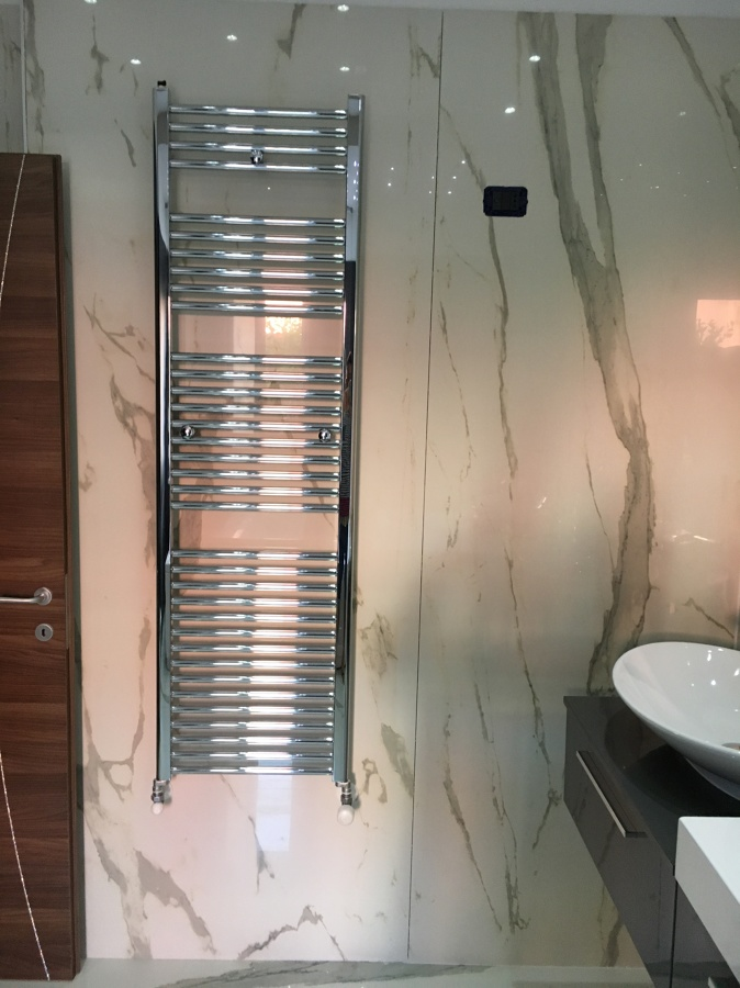 Ristrutturazione bagno idee costruzione case - Termoarredo bagno cromato ...