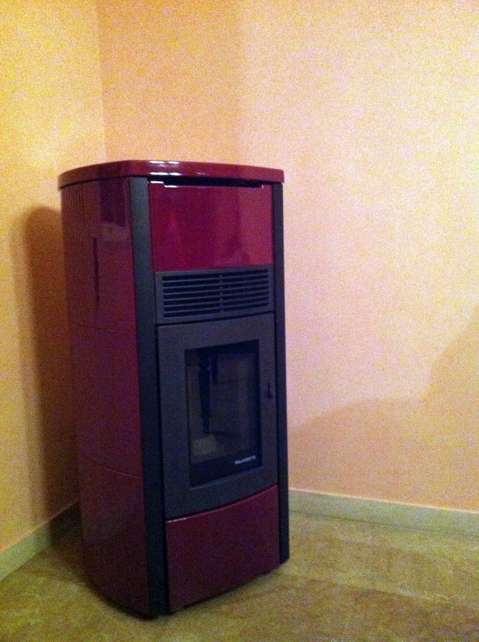 Foto termostufa idro a pellet mod camilla palazzetti de - Termostufa a pellet palazzetti ...