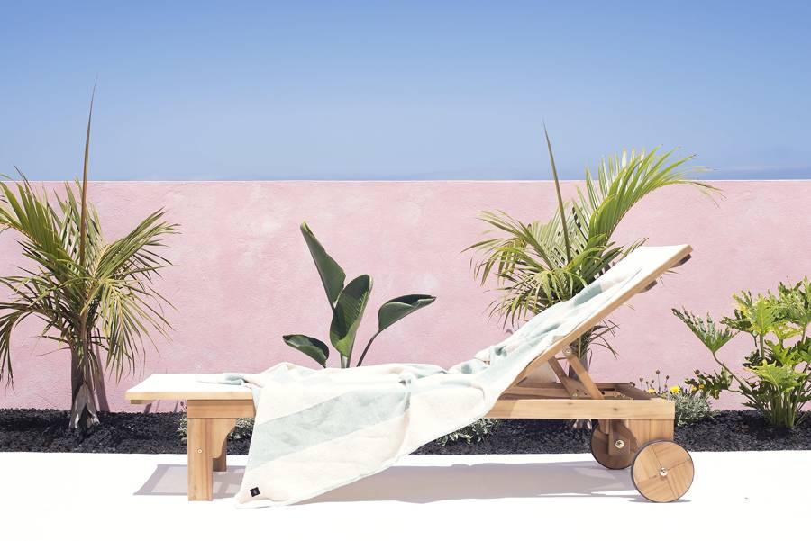terrazza con pareti rosa