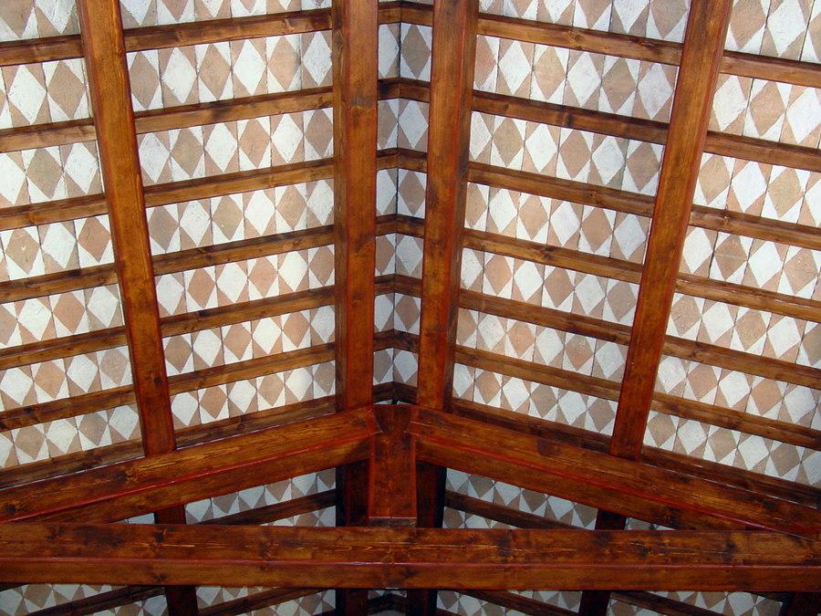Teto in tavelline decorate