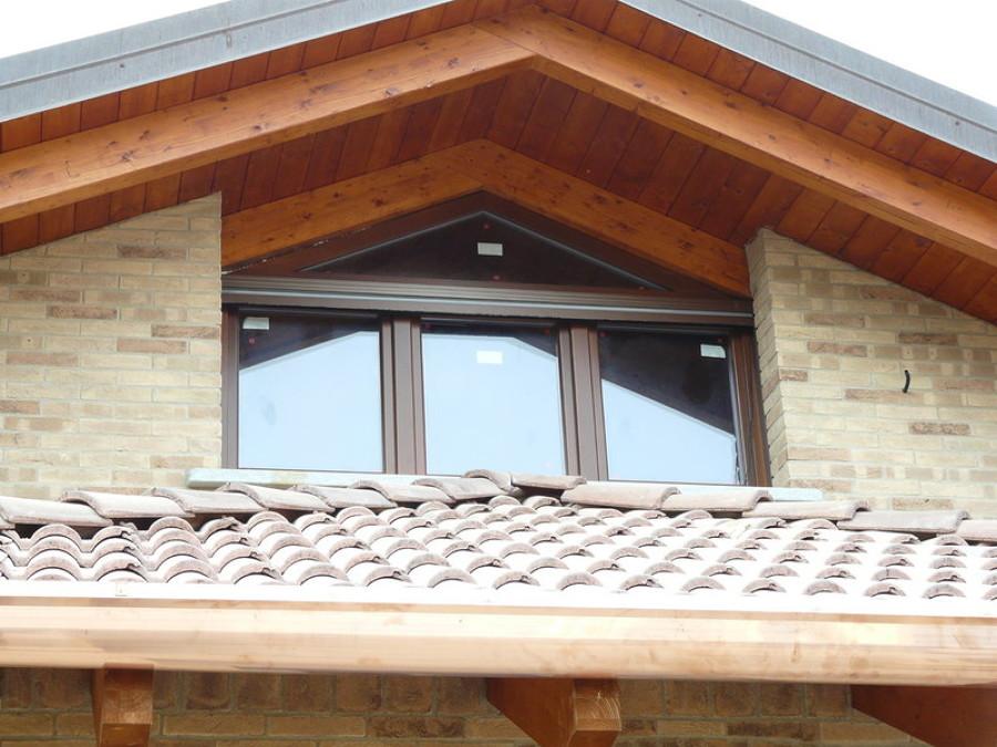 tetti in legno e serramenti in alluminio