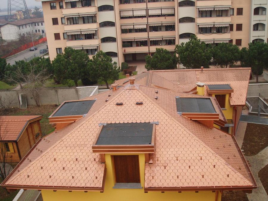 Realizzazione di tetto in tegola canadese rame idee for Abbaino tetto prezzi