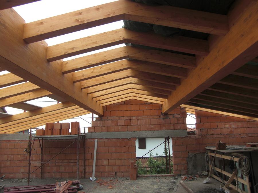 Progetto tetti in legno idee costruzione civile for Planimetrie di pontili e travi