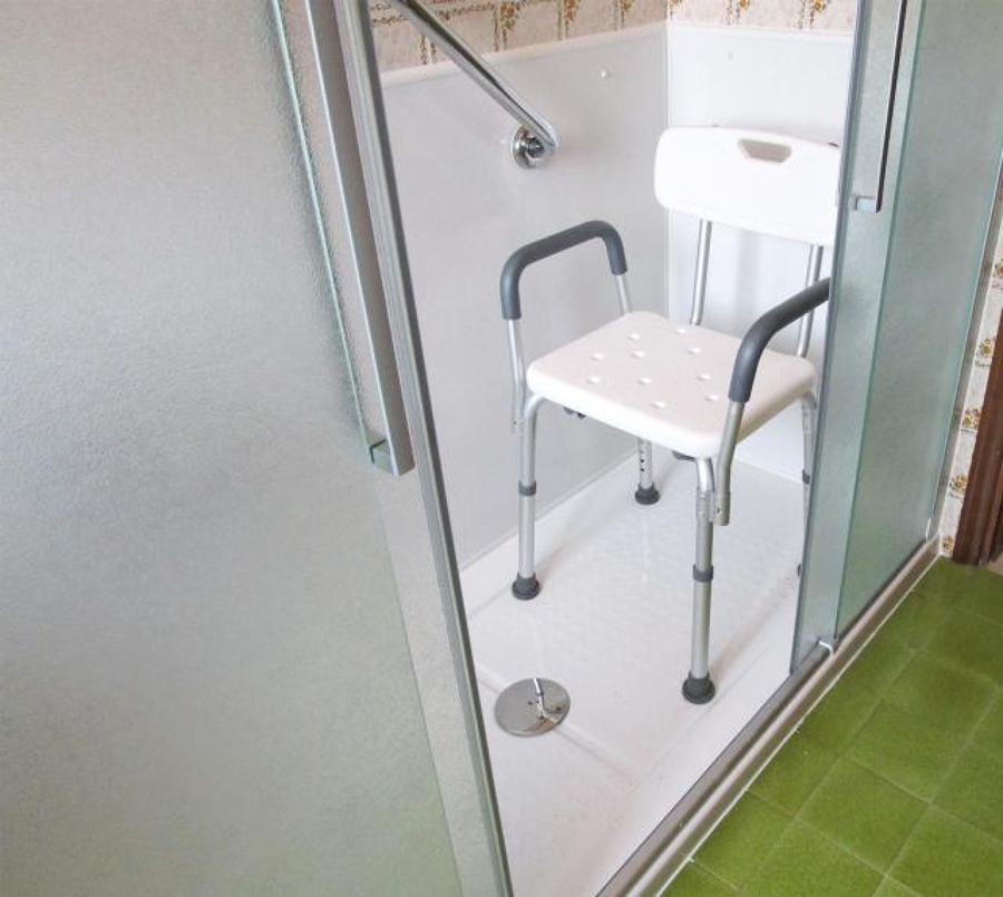 Trasformazione vasca in doccia remail idee ristrutturazione bagni - Bagni remail prezzi ...