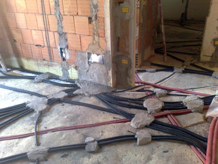 Progetto realizzazione impianto elettrico idee elettricisti - Tubi a vista in casa ...