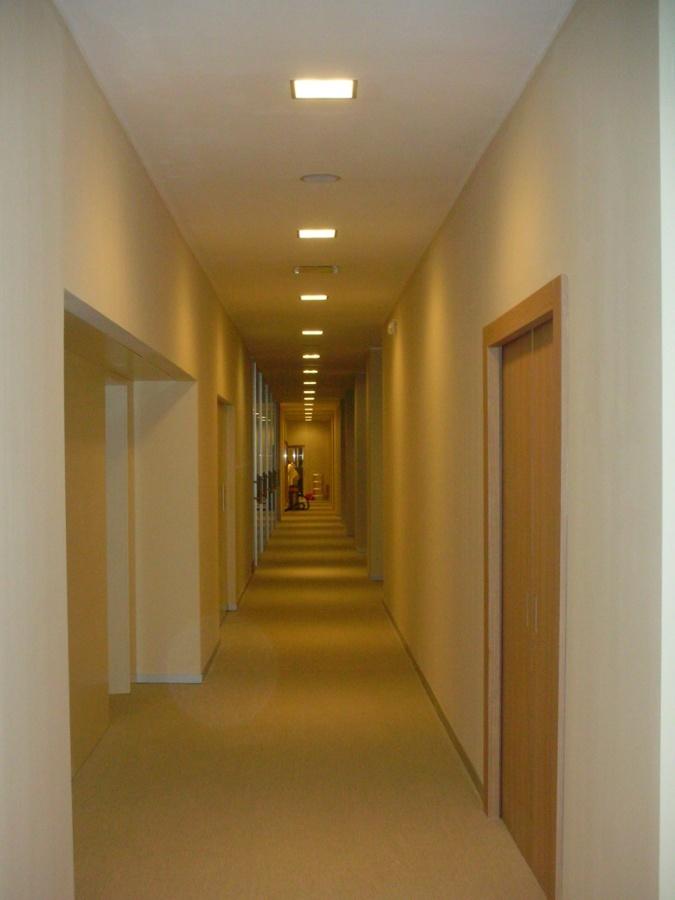 Progetto show room loro piana milano idee for Uffici temporanei milano prezzi