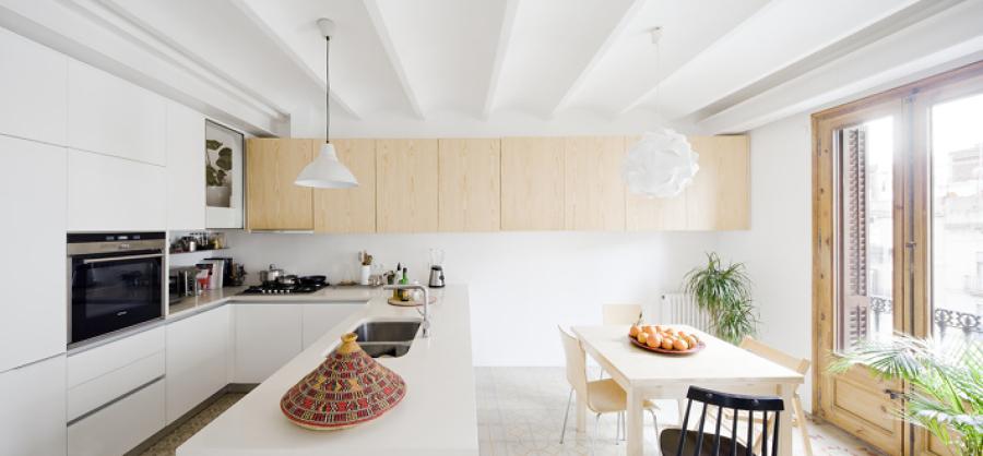 Una casa ristrutturata con gusto e che recupera la sua for Una storia di casa piani di log