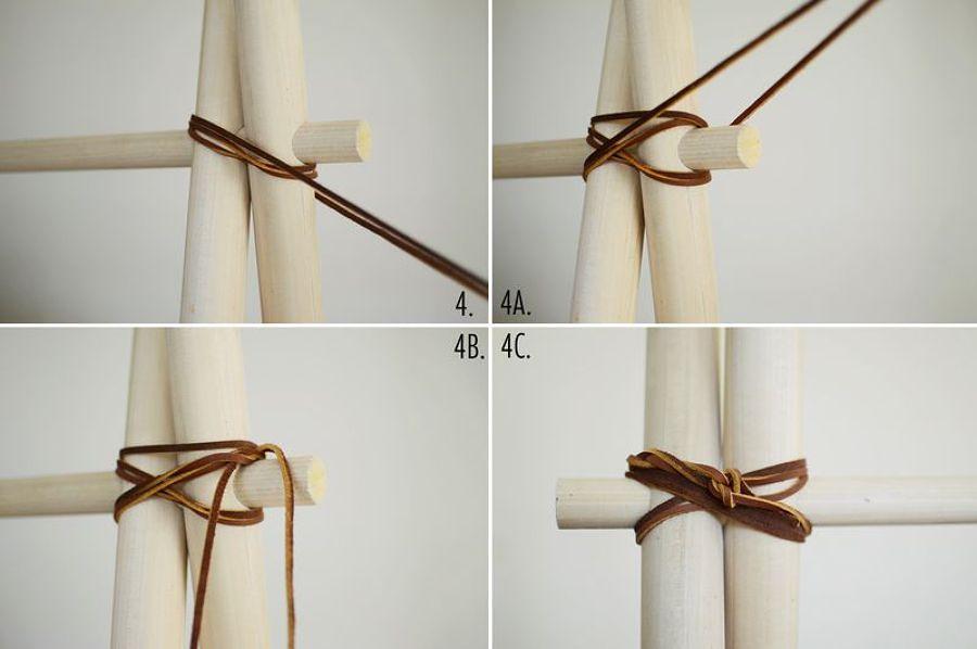 unisci i bastoni con la corda