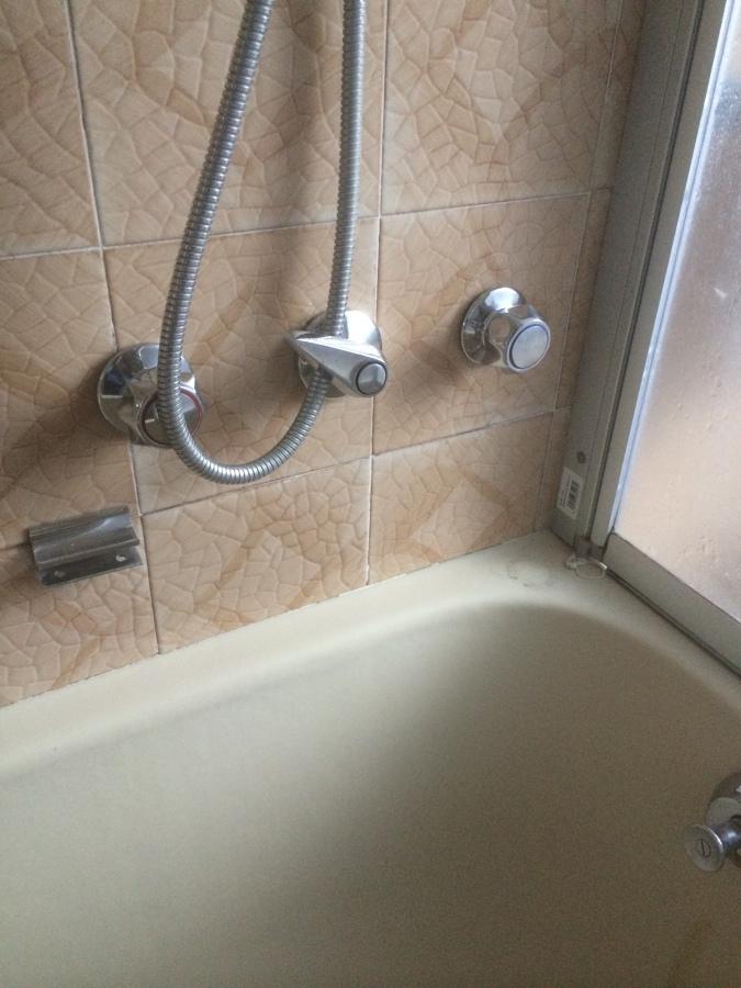 Progetto sostituzione vasca da bagno con doccia stesse - Vasca da bagno vecchia ...