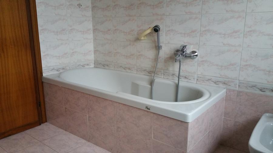 Sostituzione vasca con doccia idee ristrutturazione bagni - Sostituzione vasca in doccia ...
