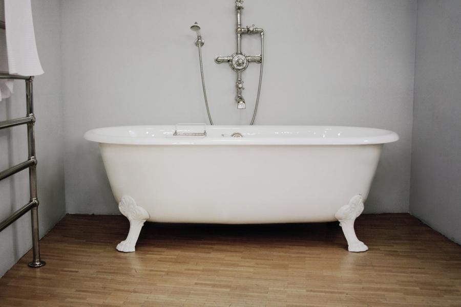 Installare o cambiare vasca bagno o doccia idee idraulici - Vasca da bagno retro ...