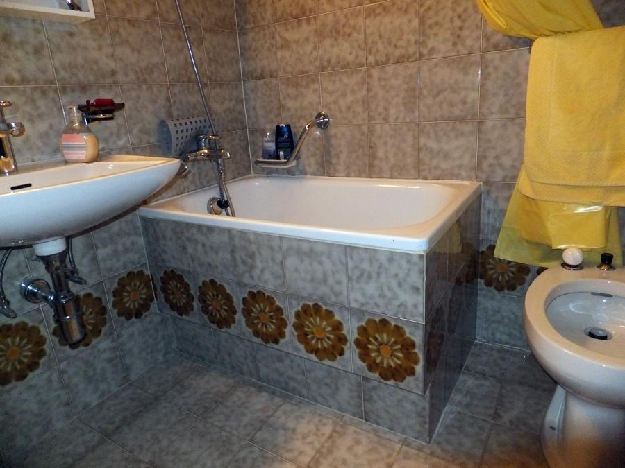 Progetto trasformazione vasca da bagno a sedere in piatto - Marche vasche da bagno ...
