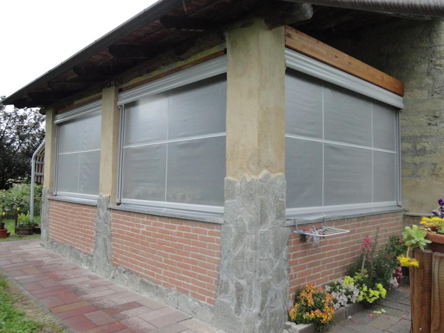 Progetto di chiusura portico idee tende da sole for Idee di veranda laterale