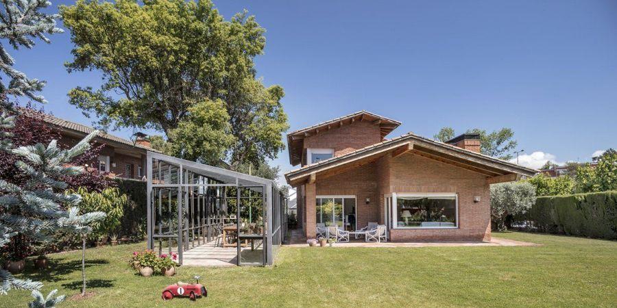 Villa con giardino e serra