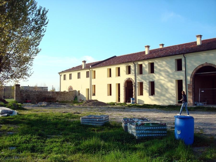 Casa immobiliare accessori progetti di ville in campagna for Ville di campagna progetti