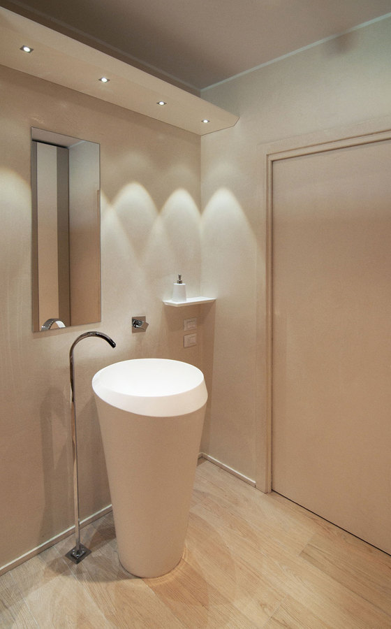 foto villa minimal bagno ospiti di studio di